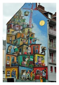 von Farbfieber gestaltete Fassade in Düsseldorf Bilk unter Mitarbeit von Klaus Klinger